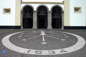 se_catedral_angra_ext_frent_portas_principais_saida_0_dr_ia_600-400